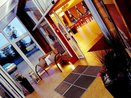 . Hotel Serby