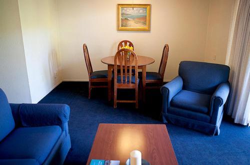 Coral Reef Inn & Condo Suites - Alameda, CA CA 94501