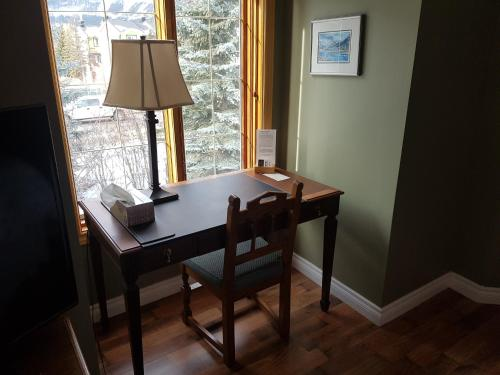 Lady MacDonald Country Inn - Canmore, AB T1W 1P5