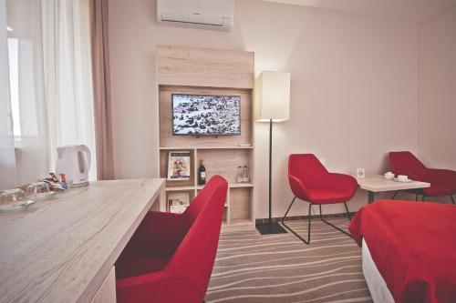 __{offers.Best_flights}__ Hotel Akwawit