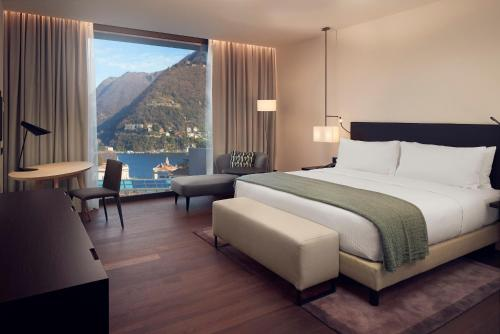 Premium King Room with Lake View