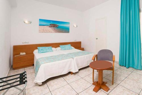 Hotel Tropical rum bilder