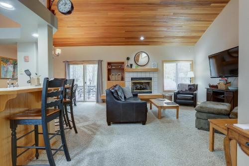16 Sequoia-ac-hot Tub-3br/2ba - Sunriver, OR 97707