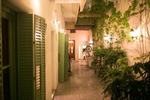 Hotel Sabatico Travelers Hostel & Guesthouse