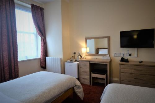 The Gateway Hotel - image 7