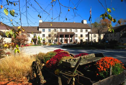 Spring Mill Inn - Hotel - Mitchell