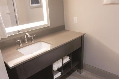 La Quinta Inn & Suites By Wyndham Ponca City - Ponca City, OK 74601