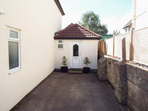 . The Annexe, Poole