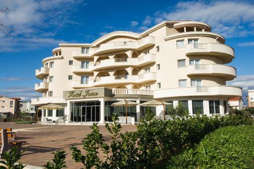 . Hotel Jana