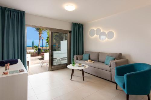 Hotel Las Costas 84