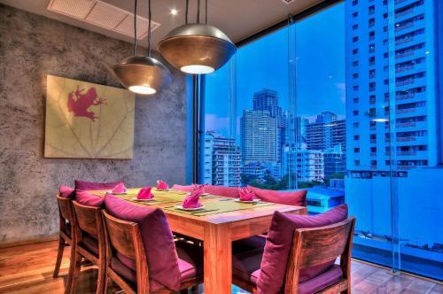 Galleria Sukhumvit 10 Bangkok by Compass Hospitality photo 61