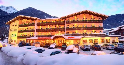 Nationalparkhotel Klockerhaus - Hotel - Krimml