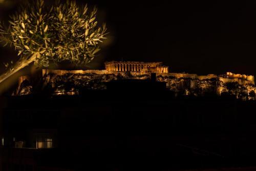 Evripidou 11, Athens 10561, Greece.