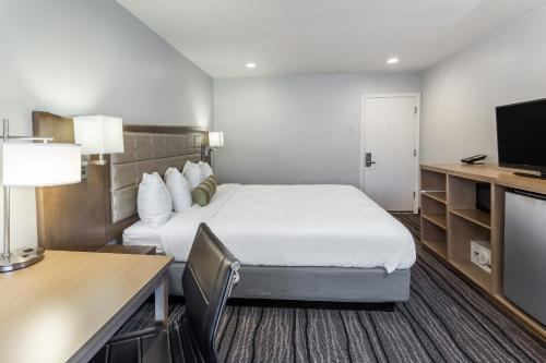 Travelodge by Wyndham Berkeley - Berkeley, CA CA 94703