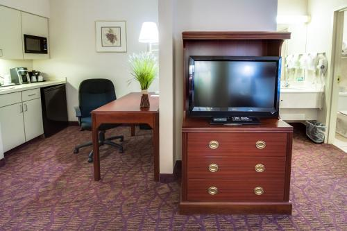 Ashmore Inn and Suites Amarillo Deluxe Double Studio