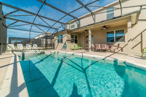 Crystal Cove Resort 1002 - Kissimmee, FL 34746