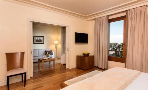 Junior Suite with City View Gran Hotel La Florida G.L Monumento 1
