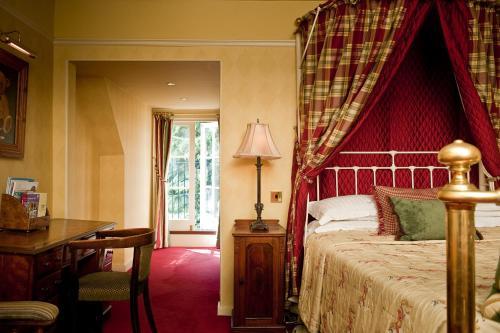 Ravenwood Hall Hotel - Photo 6 of 32