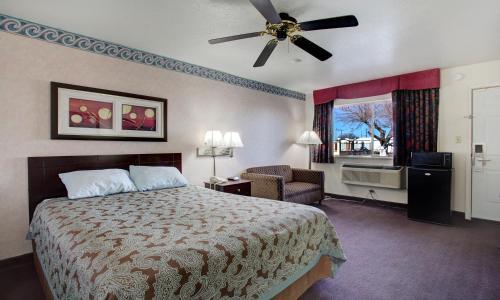 . Carlsbad Inn , New Mexico