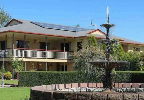 Dalrymple Lodge