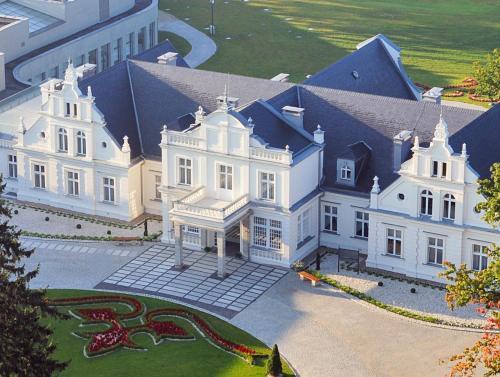 . Hotel Pałac Romantyczny
