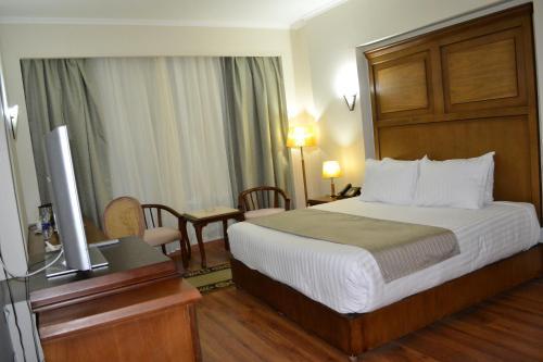 Cleopatra Hotel - image 9