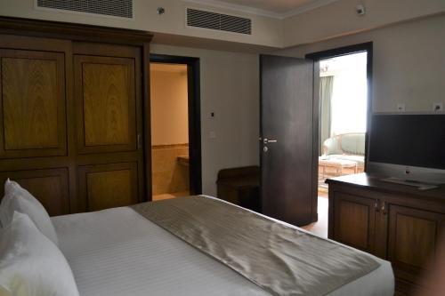 Cleopatra Hotel - image 10