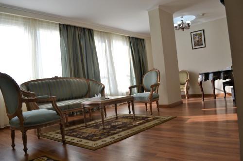 Cleopatra Hotel - image 11