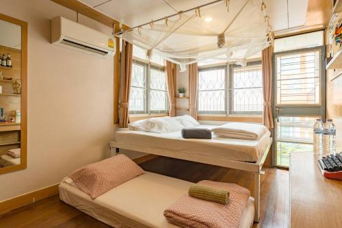Sud Soi Guest House photo 37