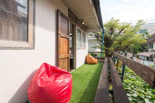 Sud Soi Guest House photo 40