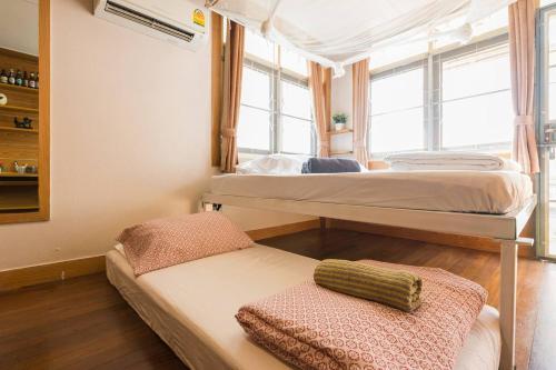 Sud Soi Guest House photo 49