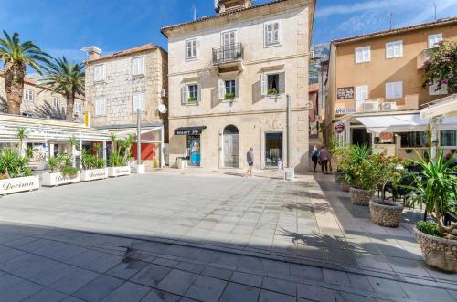 Apartments Srdjan, Pension in Makarska