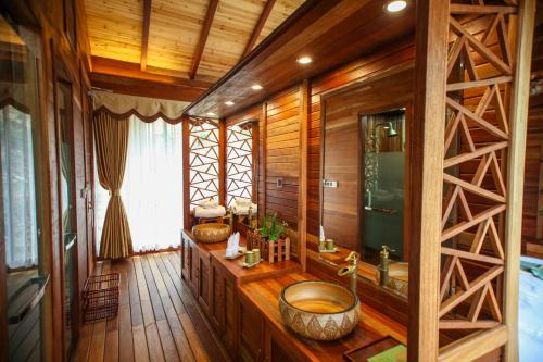 Tai Lin Shan Ju Chalet Resort