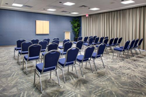 Hampton Inn & Suites Sarasota/Bradenton-Airport - Sarasota, FL 34243