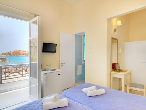 Comfortable Double Room with Sea View