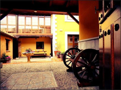 Hotel Rural Monasterio De Ara Mada