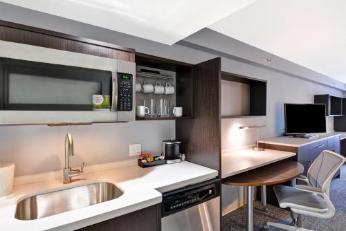Home2 Suites By Hilton Miramar Ft Lauderdale - Miramar, FL 33027