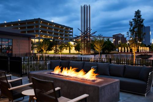 AC Hotel by Marriott Bloomington Mall of America - Bloomington