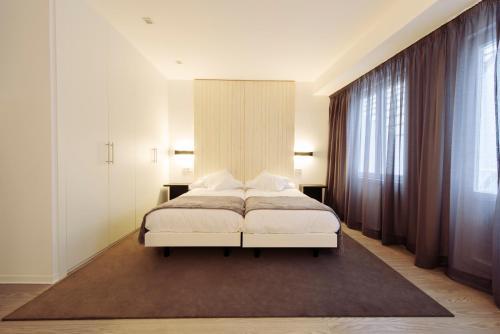 . Hotel Lois