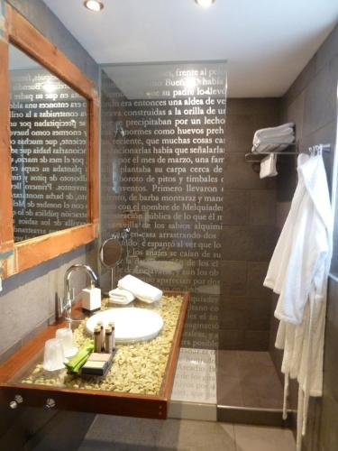 Standard Double or Twin Room Hotel La Casueña 34
