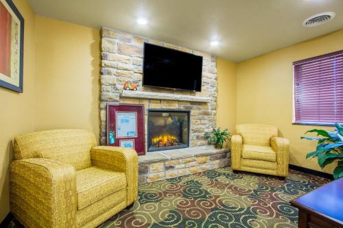 Cobblestone Inn & Suites Corry - Corry, PA 16407
