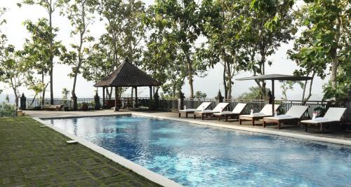 Paket Relaksasi di Vila dengan Kolam Renang Kecil dan Pemandangan Taman (Relaxation Package at  Villa with Plunge Pool and Garden View)