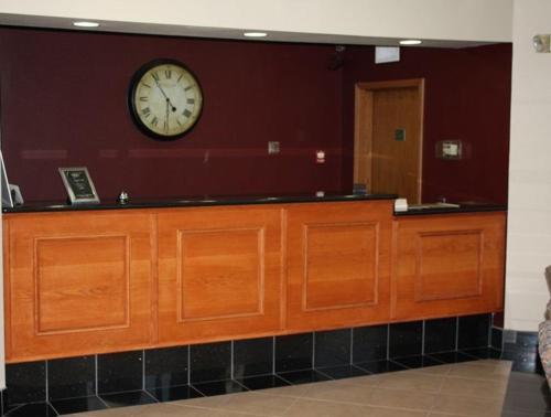 Emerald Inn - Maplewood, MN 55109