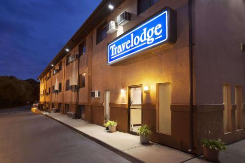 Travelodge by Wyndham La Porte-Michigan City Area