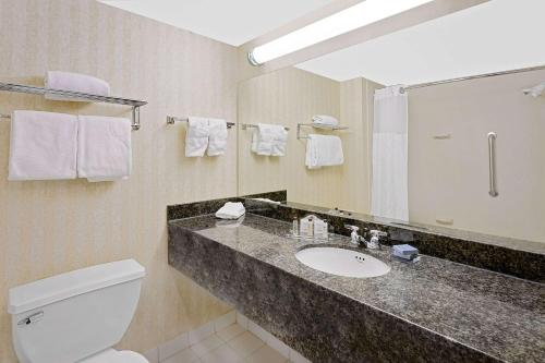 Wingate by Wyndham - Arlington Heights - Arlington Heights, IL IL 60005