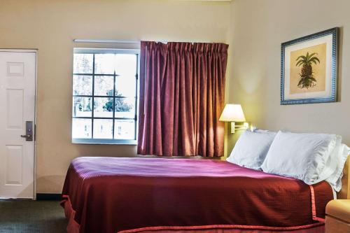 Travelodge Suites By Wyndham Lake Okeechobee