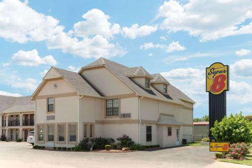 Super 8 by Wyndham Enid - Enid, Oklahoma