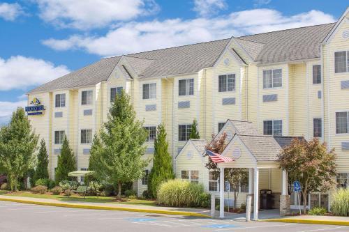 Microtel Inn&Suites Beckley East - Hotel - Beckley