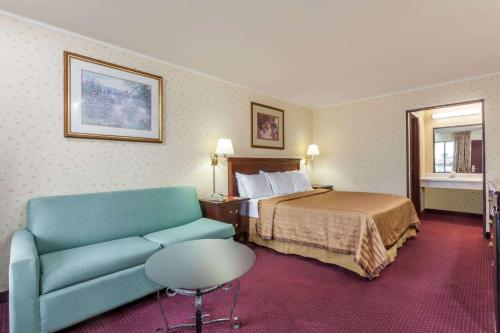 Travelodge By Wyndham Seymour - Seymour, IN 47274