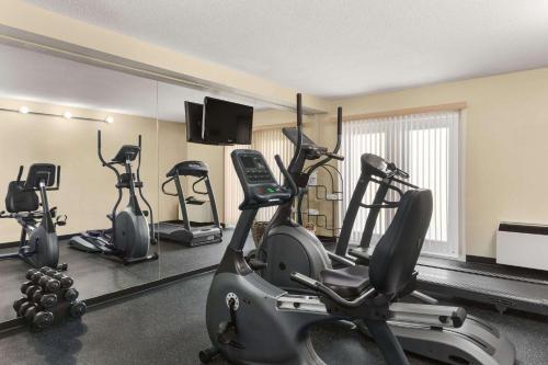 Travelodge Suites by Wyndham Halifax Dartmouth - Dartmouth, NS B3A 0C5